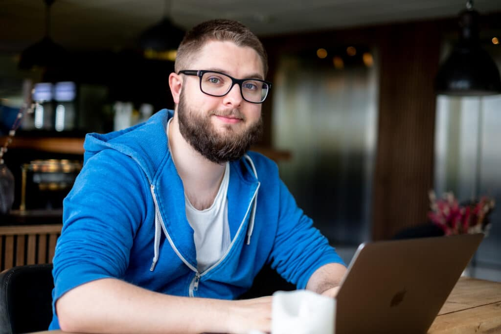Einar with laptop